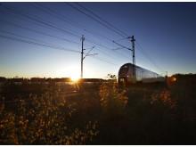 SJ regionaltåg i solnedgång