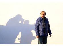 Asghar Farhadi under inspelningen av sin dramafilm The Salesman.