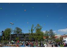 Ballongerna mot skyn när Orangeriet invigs.