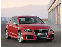 Audi RS 3 Sportback front right side