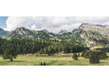 Landschaft im Gebiet der Brenno Quelle mit Lukmanierpass© Schweiz Tourismus Fototgraf_Markus Buehler-Rasom