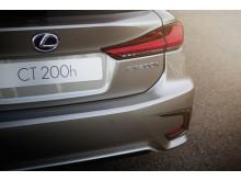 Ny och sportigare design kännetecknar nya Lexus CT 200h