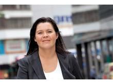Elisabeth Holvik gående, blid.pdf