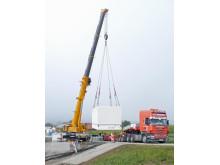 Schalthaus mit technischer Vollausstattung: Bayernwerk optimiert das regionale Verteilnetz in Heitzmannsberg.