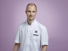 Klar för final i Dessertmästarna: Jonas Nilsson, 32 år, Landskrona, restaurang 19hundra (den enda som redan i finalavsnittets start är klar för det slutgiltiga finalmomentet). Foto: Kanal 5)