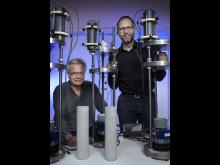 Mats Emborg, professor i byggmaterial och Martin Nilsson, professor i konstruktionsteknik vid Luleå tekniska universitet
