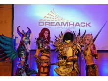Cosplayer geben einen Vorgeschmack auf die DreamHack Leipzig 2016