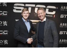 Marcus Annervi tillsammans med Jonas Kundin, vd STCC AB. Foto: Micke Fransson/STCC