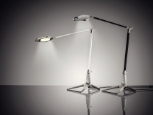 LED skrivebordslampe fårs i 5 farver