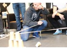 Samarbejdsøvelse - tårn af kopper 1