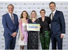 Generalsekretare Annika Billing stolt stödmottagare på Postkodlotteriets förmånstagarfest 2019