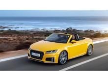 Audi TT Roadster S-line (vegasgul) dynamisk skråt forfra