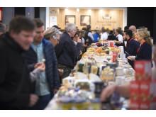 Mehr als 200 internationale Juroren testen Käsespezialitäten aus 41 Ländern bei den World Cheese Awards 2018.