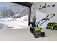Vær forberedt når sneen kommer igen, med den NYE 36 V Snerydder fra Ryobi (version: RST36B)