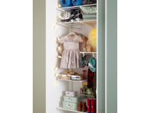 Garderob för kläder och leksaker - detalj