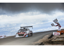 """Peugeot 208 T16 Pikes Peak er """"Race Car of the Year"""""""