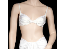 Izabellas Bond-bikini