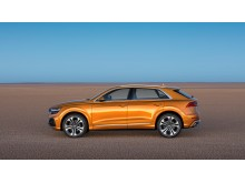 Audi Q8 (dragon orange) fra siden