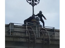 Putney Bridge attempted theft - 22 March 2018
