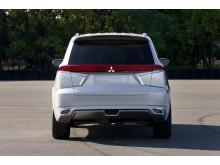 Mitsubishi Outlander PHEV Concept-S bak