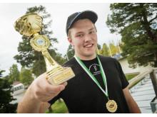 Dennis Blom. Glad segrare i Kvaltävling till Yrkes-SM