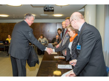 Sote-valiokunnan pj Juha Rehula ottaa vastaan järjestöjen edustajat