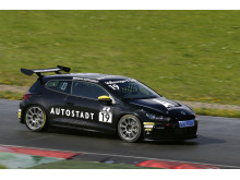 Mikaela Åhlin-Kottulinsky kör för tredje året i Volkswagens enhetsserie Scirocco R-Cup.