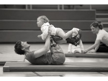 C-Leg mother and baby gymnastics