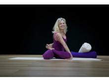 Milla Floryd står bakom sekvenseringskursen för yogalärare