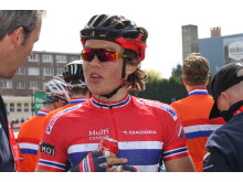 Sedrik Ullebø etter målgang Paris-Roubaix junior 2016
