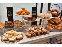 Costa Fresco Bakery Table