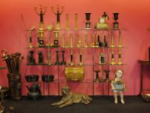 Larssons Antik, brännförgyllda ljusstakar, kandelabrar, bordsurnor, empire, Sverige och Frankrike.