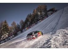 Audi e-tron uppför störtloppsbacken i Kitzbühel