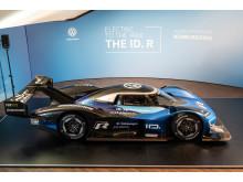 Med nya ID. R siktar Volkswagen på nytt varvrekord på Nürburgring-Nordslingan.