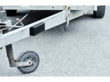 Utstyrskontroll med stålbur montert på tilhenger