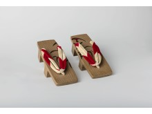 Japanske geta sko til kvinder – Tuxens samling, 1958. Foto: Moesgaard Museum