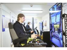 Rekarneskolan - Linus Lundgren och Viktor Forselius kör simulatorer