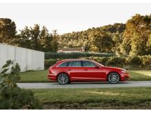 A4 Avant er en af Audis mest populære modeller, der med sit skarpe og elegante design har masser af plads til både voksne, børn og bagage