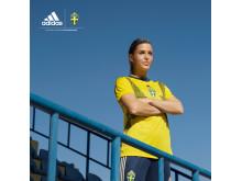 Olivia Schough i VM-tröja som säljs på Stadium
