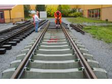 Järnvägsväxel installeras mitt på campus på Luleå tekniska universitet