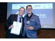 Den Sanierungspreis 18 in der Kategorie Metall gewinnt die Engel Spenglerei aus dem bayerischen Fuchstal-Leeder mit der Dachsanierung des Altenwerk Marthashofen.