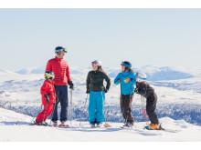 Skidåkning med familjen - Family skiing