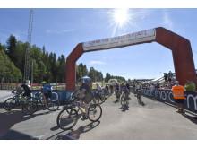 Solig start av Cykelvasan Öppet Spår 2017