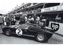 No2_1966lemans_start_800