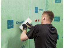 Kiilto KeraSafella voit tehdä vedeneristyksen seiniin ja lattioihin yhdellä työskentelykerralla.