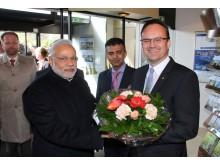 Premier Modi mit Hoteldirektor Oliver Risse