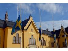 Linköping flaggar på halvstång