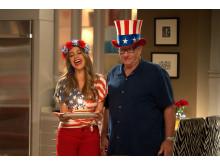 Sofia Vergara och Ed O´Neill i  Modern Family säsongspremiär på FOX söndag den 28/10 kl 21.00.