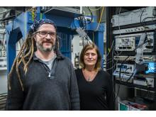 Thilo Bauch och Floriana Lombardi, forskare vid kvantkomponentfysik-laboratoriet på Chalmers