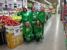Butikksjef Synnøve og hennes team